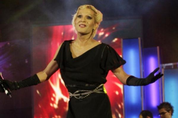 Naomi, la un pas să-şi înghită limba, după finala de la Eurovision! Vezi ce a păţit transsexualul!