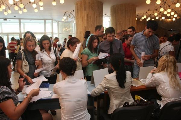 AJOFM Prahova organizeaza bursa locurilor de munca pentru studenti
