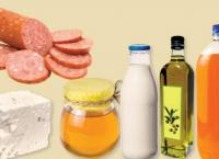Cum se falsifică alimentele: În smântână se pune cretă, iar în miere se pune clei de oase!