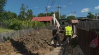 Accident de muncă în Prahova. Doi muncitori au fost ÎNGROPAŢI DE VII