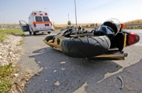 Accident pe strada Romana: Un motociclist a fost lovit de masina