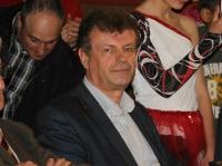 Primarul din Urlati a luat-o razna pe Facebook!