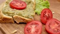 Ce se întâmplă cu ORGANISMUL tău dacă mănânci VINETE! Nu te gândeai la ASTA