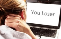 Ai fost hartuit sau amenintat pe internet? AFLA cum te poti apara, LEGAL