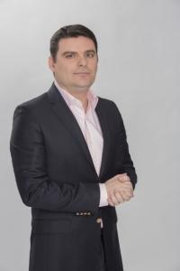 Radu Tudor castiga acum doi ani 6000 de euro pe luna la Antena 3, dar salariul prezentatorului tv s-a marit din nou! Vezi ce suma colosala incaseaza acum omul de televiziune!