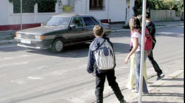 """Isteria """"copiilor răpiţi pentru organe"""" revine. Mai multe mămici susţin că le-au dispărut copiii"""