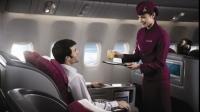 Vrei sa lucrezi ca insotitor de zbor pentru 2000$ pe luna? Vezi ce companii aeriene fac angajari