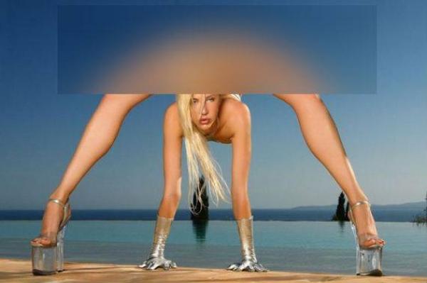 """FOTO de INFARCT! 3D e un fleac: Ea îți arată TOT! Și fața și """"spatele"""", în același timp!"""