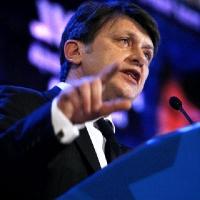 ZVON: Motivul ULUITOR pentru care Crin Antonescu s-a retras din cursa prezidențială