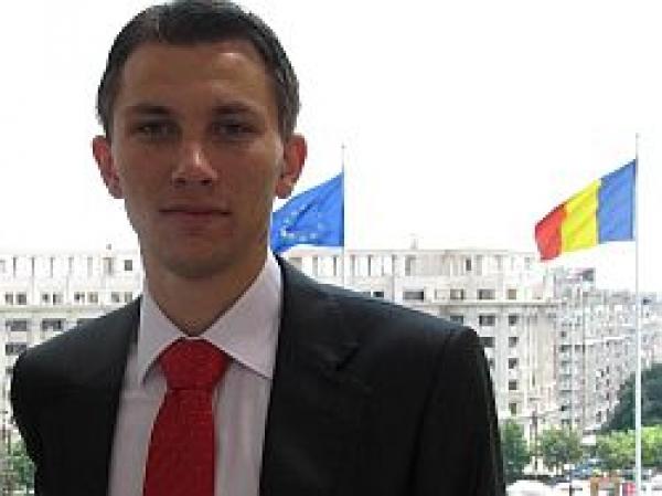 Nicolae Nicuţă: De ce îl votez pe Mircea Geoană