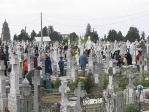 Ploiestiul ramane fara locuri de veci. Cimitirele sunt pline!