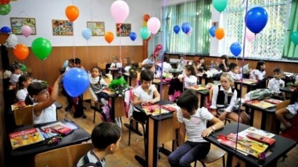 SCHIMBĂRI IMPORTANTE în anul şcolar 2014-2015. Ce se întâmplă din septembrie
