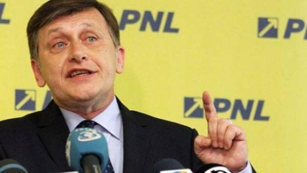STENOGRAME din şedinţa PNL. Crin Antonescu, către colegii de partid: Nu mă luaţi de PROST!