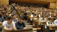 Universităţile care au înfiinţat COLEGII PENTRU TINERII FĂRĂ BAC. Vezi specializările şi taxele de şcolarizare