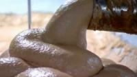 VIDEO: Ce conţine de fapt un hot-dog. Ţi se face rău doar când vezi imaginile