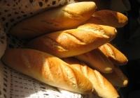 Veste proastă pentru români! Se anunţă SCUMPIRI la pâine