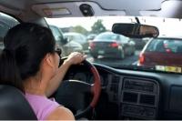 O soferita din Ploiesti s-a ales cu dosar penal dupa ce a fost prinsa la volanul unei masini RADIATE din circulatie
