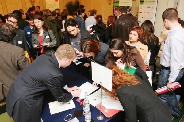 Record de joburi scoase la concurs, in Ploiesti! Peste 600 de locuri de munca, disponibile in perioada urmatoare