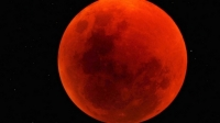 UIMITOR! Eclipsă TOTALA de Lună: Urmăriţi LIVE fenomenul astronomic al anului VIDEO