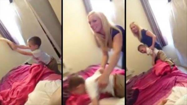 +18 Oops! Un copil a dat, din greşeală, peste VIBRATORUL mamei! Reacţia ei e demenţială!
