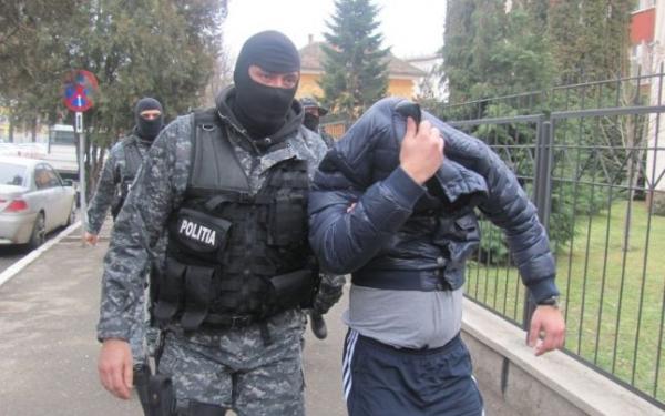 29 de grupari infractionale au fost destructurate de Politistii Prahoveni, de la inceputul anului