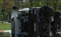 Accident grav in Maneciu. Un TIR S-A RASTURNAT pe sosea