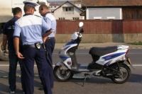 """Beat si fara permis, """"calarea"""" un moped pe drumurile publice"""