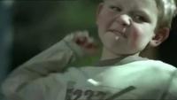 Videoclip-ul care îţi va SCHIMBA VIAŢA în FIX 60 de SECUNDE! Să ne amintim mai des: copiii noşti fac ceea ce văd!