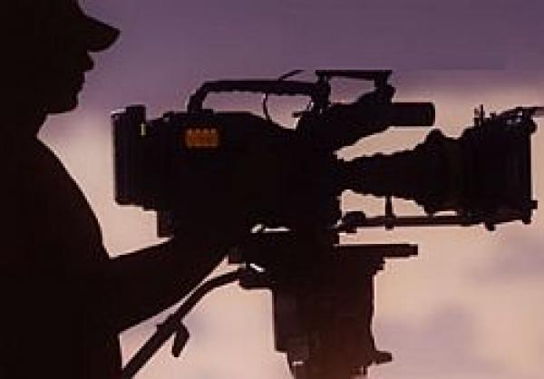 L-am gasit pe cameramanul care a filmat bataia lui Basescu