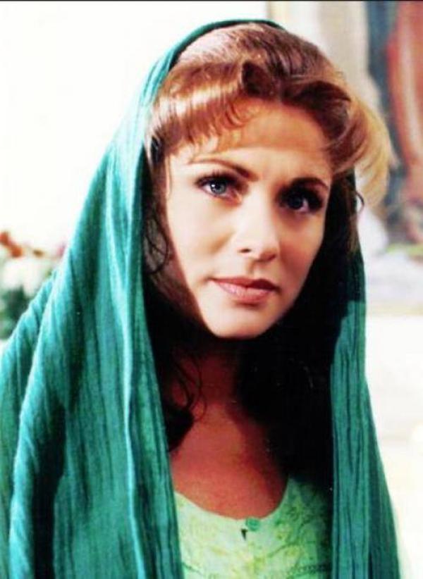 """Îţi aminteşti de ea? Uite cum arată """"Esmeralda"""" acum, la 46 de ani. Poze aici"""