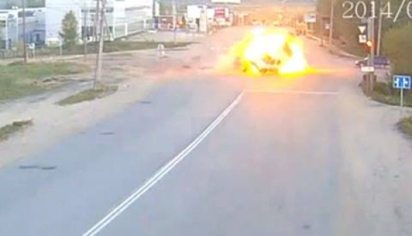 Accident cu explozie ca-n filme! VIDEO ULUITOR