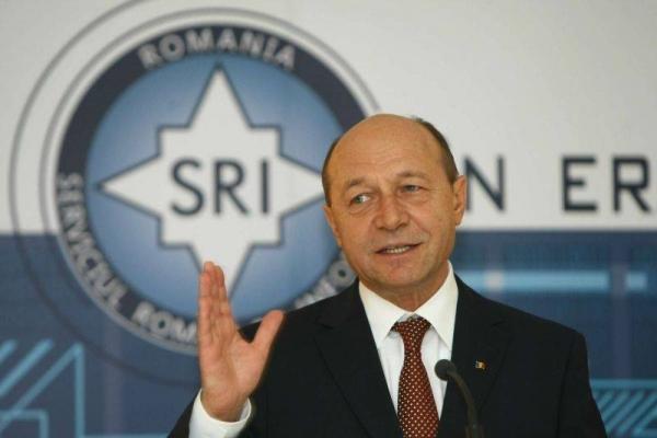 Analist, ipoteză incredibilă: SRI a vrut să-l vulnerabilizeze pe Băsescu