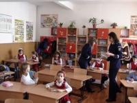 """Scoala Altfel"" Ploiesti: Elevi de la ""George Cosbuc"", in vizita la Politia Locala"