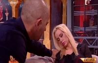 VIDEO Simona Traşcă, EXPERIMENT UNIC, în direct! S-a lăsat hipnotizată!