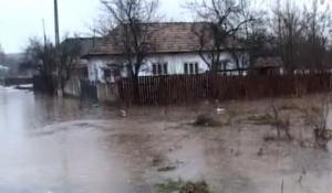 Sarbatori triste pentru sute de prahoveni. Casele si gospodariile le-au fost distruse de inundatii