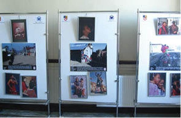 """Astazi se sarbatoreste """"Ziua internationala a romilor"""". Expozitie dedicata, la Ploiesti"""