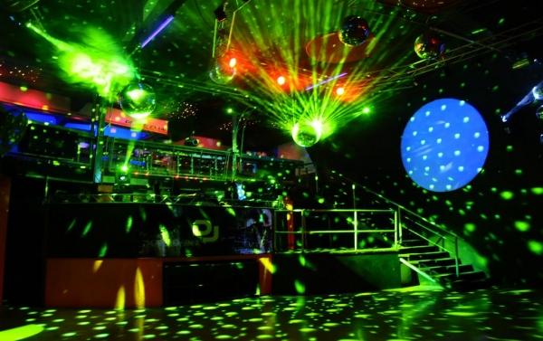 Discoteca din Breaza, inchisa dupa o razie de amploare a politistilor