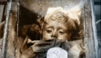 """Misterul """"Frumoasei Adormite"""". Mumia FETITEI din Italia care închide şi deschide ochii"""