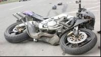 Accident grav, in Valenii de Munte. Un autoturism şi o motocicletă s-au ciocnit