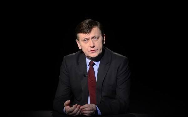 Dezolant – Crin Antonescu, părăsit de candidații și de liderii PNL/ FOTO