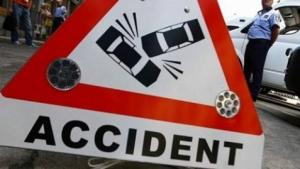 ACCIDENT în Prahova. Un TIR a intrat în coliziune cu un microbuz de persoane
