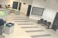 Un tătic neatent şi-a uitat copilul pe banda de bagaje. Ce a urmat este de-a dreptul incredibil (VIDEO)