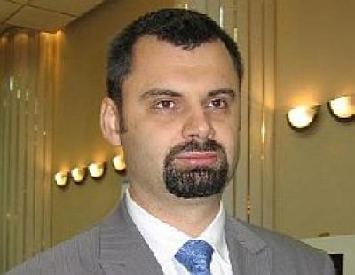 Scandalul stampilelor aruncă vina pe prefectul Adrian Dobre
