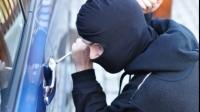 Sfaturi estivale împotriva hoţilor: Ce trebuie să faci ca să nu îţi fie spartă maşina