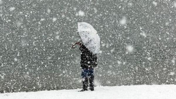 ALERTĂ METEO: Ploi abundente, lapoviţă şi ninsoare în următoarele zile