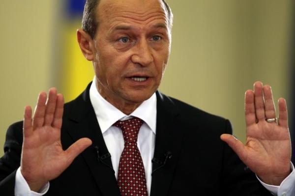 Declaratii de presa Traian Basescu la ora 13.30