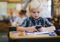 ADIO, telefon MOBIL la şcoală!