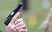 Prahova: Focuri de armă pentru prinderea a doi bărbaţi condamnaţi care erau duşi la penitenciar