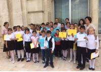 Elevii din Podenii Noi au vizitat Parlamentul Romaniei