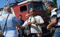 Ceremonie inedită de pensionare a unui CFR-ist, la Gara de Sud din Ploieşti